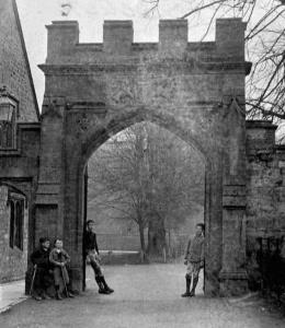 The original gateway to the Courts, c.1900.